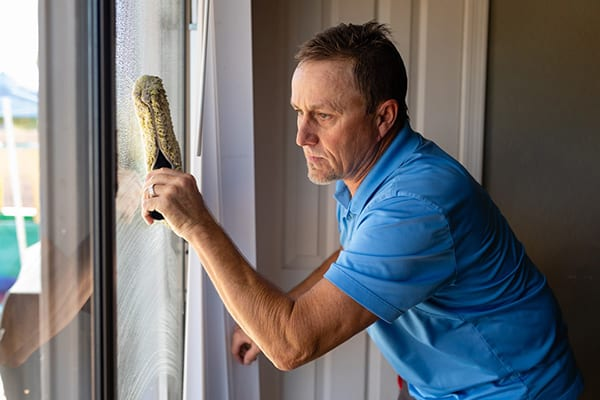 acwc-services-interior-window-cleaning-600x400