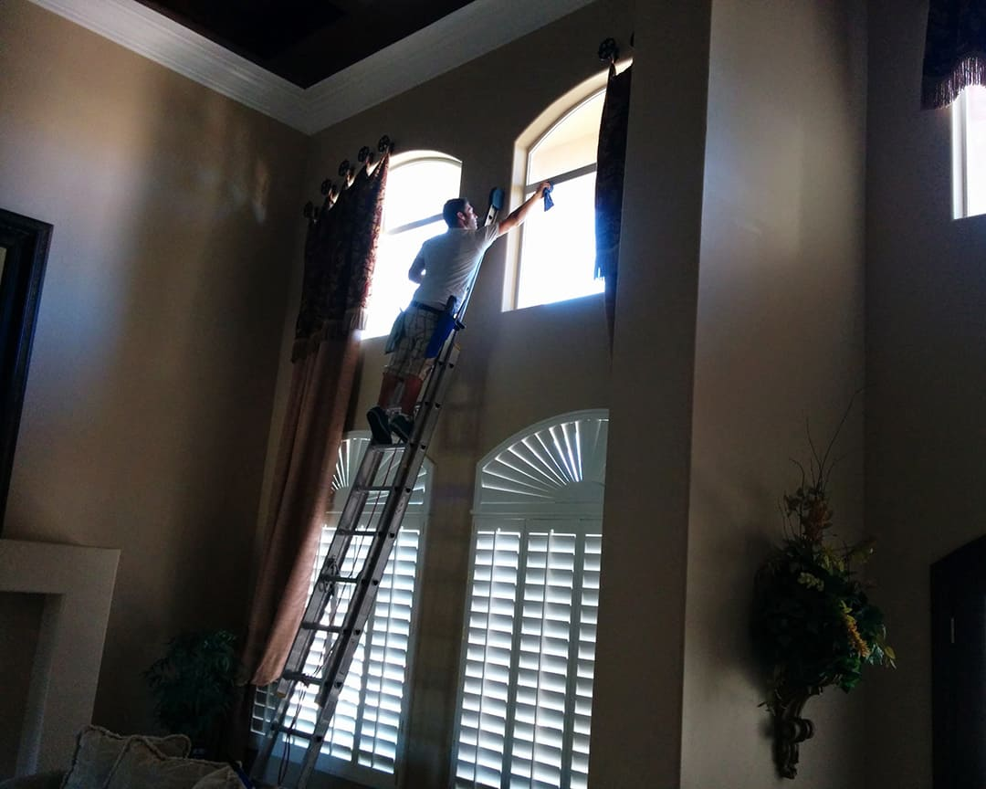 Appearance Counts - Interior Window Cleaning